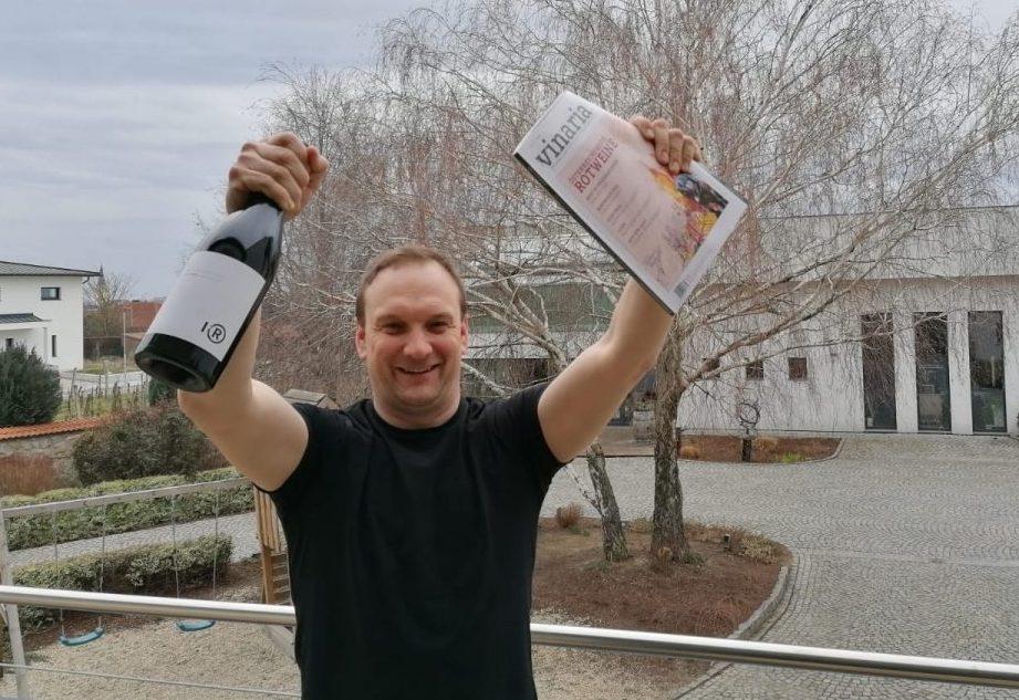 markus iro mit siegerwein pinot noir ried hochreit 2017 der vinaria verkostung österreichs beste rotweine